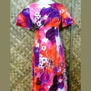 60's TORI RICHARD womens HAWAIIAN Dress. Small